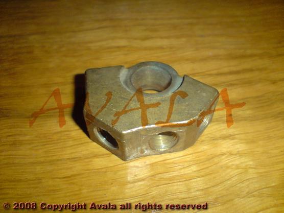 Razvodnik kočionih cevi na gl. koč. cilindru stari tip *0804125*