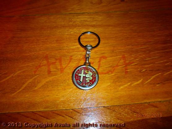 """Privezak za ključeve """"Alfa Romeo"""" (stari znak) *0902646*"""